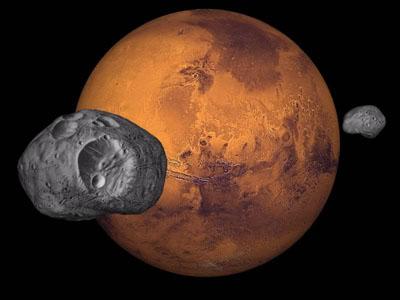 سیاره مریخ همراه دو قمرش