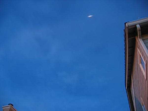 درخشش ایردیوم در آسمان شب